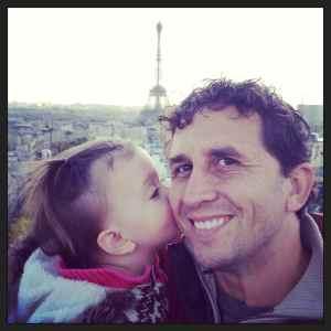 Kisses for dad in Paris